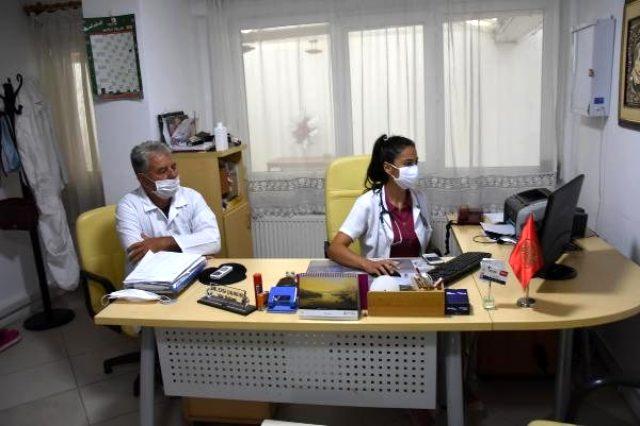 Akademisyen, kızına sağlık raporu vermeyen doktorlara saldırdı