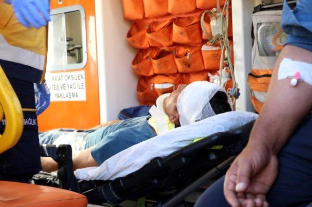 İki otomobil kafa kafaya çarpıştı, araçlar hurdaya döndü! 4'ü çocuk 11 kişi yaralandı