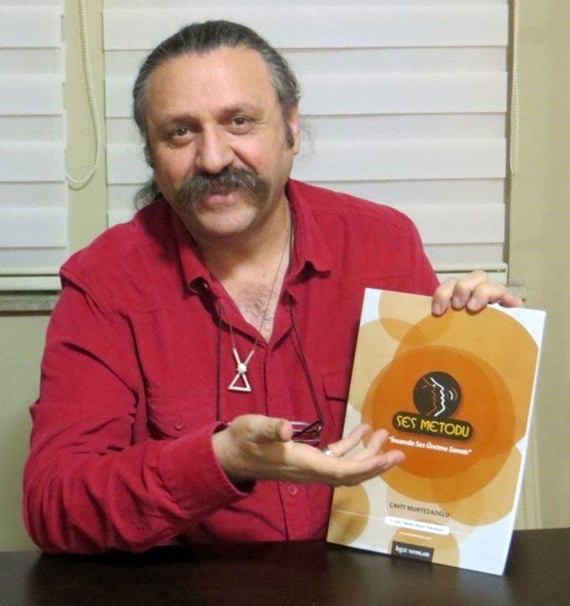 Şarkıcı Cihan Murtezaoğlu, koronavirüs nedeniyle hayatını kaybetti