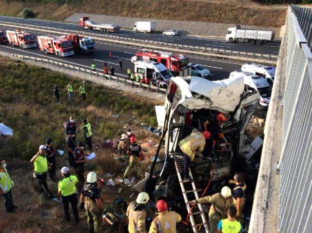 5 kişinin öldüğü otobüs kazasından yaralı olarak kurtulan kadın: Kazadan önce şoförün kalp krizi geçirdiğini söylüyorlar