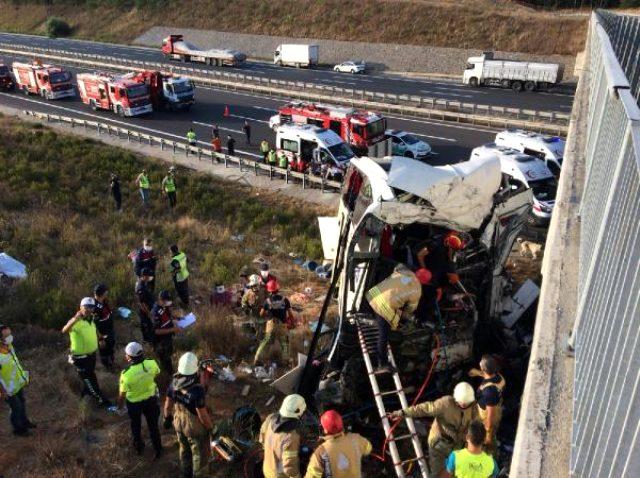 İstanbul'da 5 kişinin öldüğü kazada otobüsün içinde bulunan yolcunun anlattıkları ihmali gözler önüne serdi