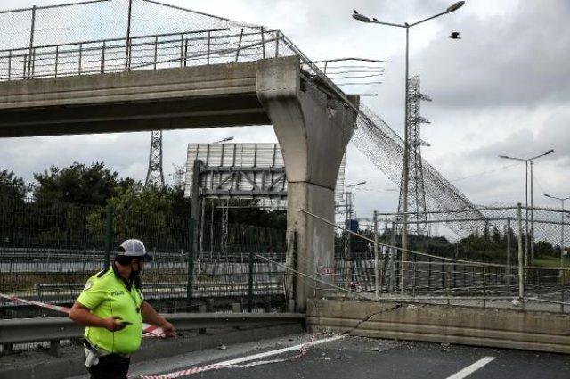 Son Dakika: İstanbul Eyüpsultan'da üst geçit çöktü, yol ulaşıma kapandı