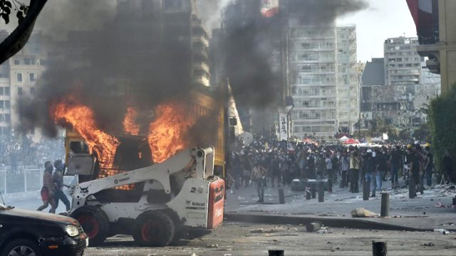Son dakika: Lübnan Enformasyon Bakanı Abdussamed, Beyrut'taki patlama ve gösteriler sonrasında istifa etti