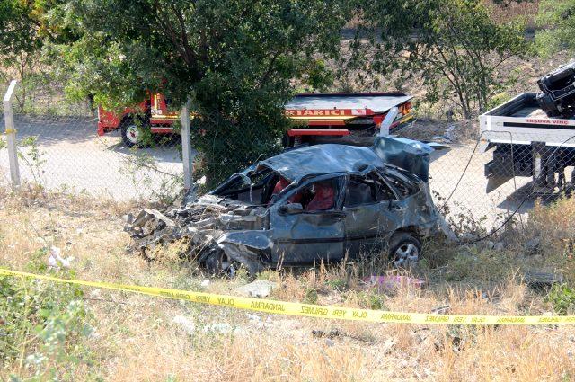 Virajı alamayan otomobil şarampole yuvarlandı: 1 ölü, 2 yaralı
