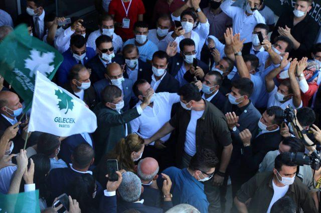 Davutoğlu'ndan HDP'nin kalesinde gövde gösterisi! O anları sosyal medyadan paylaştı