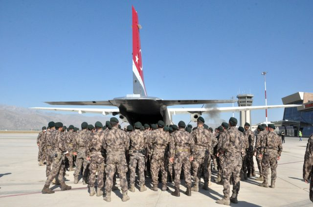 Hakkari'de şehit özel harekat polisleri memleketlerine uğurlandı