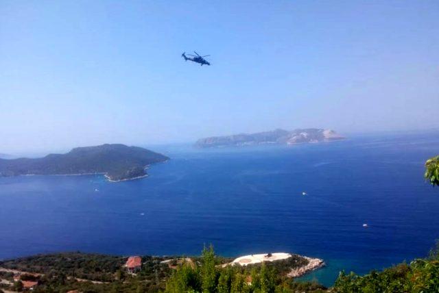 Akdeniz'de sıcak saatler! Türk hücumbotu Kaş'a, Yunan hücumbotu Meis Adası'na yanaştı