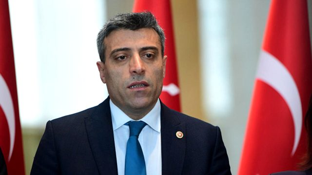 Eski CHP'li Öztürk Yılmaz, kurduğu partinin genel başkanı seçildi
