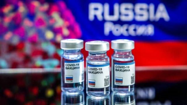 Rusya Devlet Başkanı Vladimir Putin, koronavirüse karşı geliştirdikleri aşının ilk fotoğrafını paylaştı