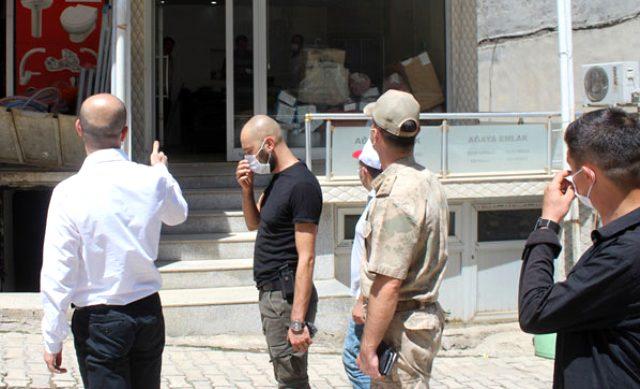 Sason Kaymakamı, maskesiz vatandaşa sert çıktı: İnsanlar ölüyor, Allah rızası için maske takın