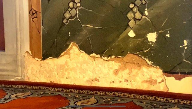 Mimar Sinan'ın 465 yıllık eserinin duvarları rutubet nedeniyle dökülüyor