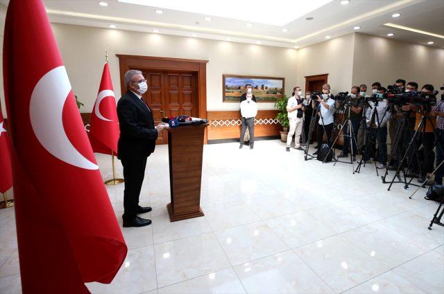 Diyarbakır'da Kovid-19 tedbirlerine uymayan iş yerlerinin girişine yazı asılacak