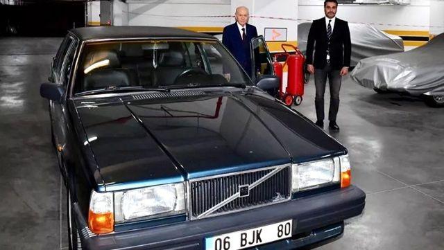 MHP Genel Başkanı Bahçeli, 'BJK' plakalı aracını hediye etti