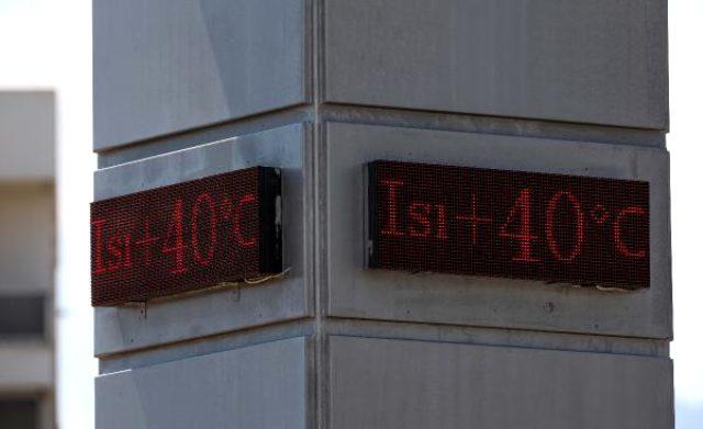 ANTALYA Antalya'da termometreler 40 dereceyi gösterdi