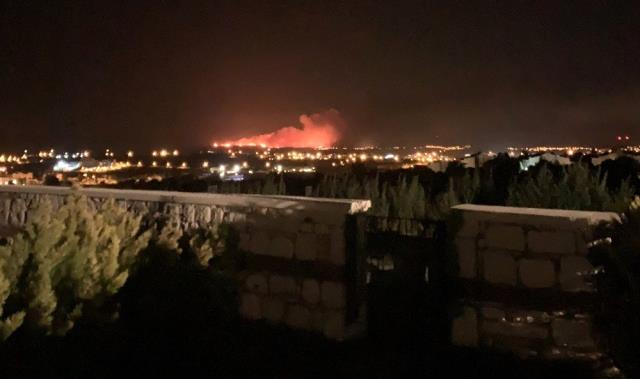 Son dakika haberleri... Çeşme'de otluk alanda yangın paniği