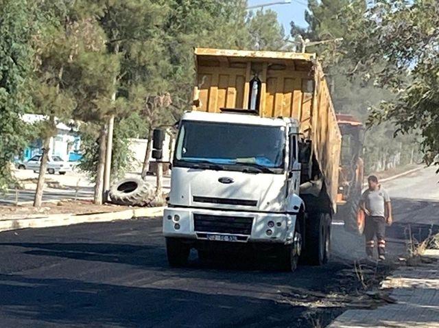 Samsat'ta şehir içi yollara beton asfalt döküldü