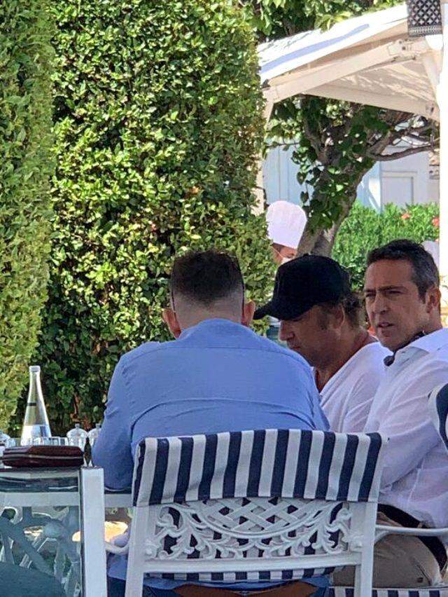 Ali Koç'un Mame Thiam ile yaptığı görüşmenin fotoğrafları ortaya çıktı