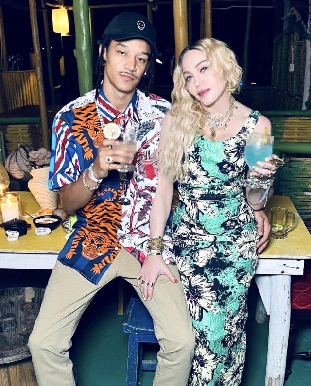 Şarkıcı Madonna, doğum gününü pasta yerine uyuşturucu madde kullanarak kutladı