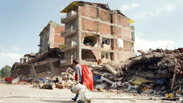 Türkiye'nin hiç unutamadığı 45 saniye! 21. yılında 17 Ağustos depremi ve sonrasında neler yaşandı