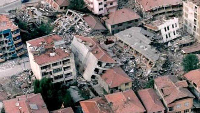 Türkiye'nin hiç unutamadığı 45 saniye! 21. yılında 17 Ağustos depremi ve sonrasında neler yaşanlar