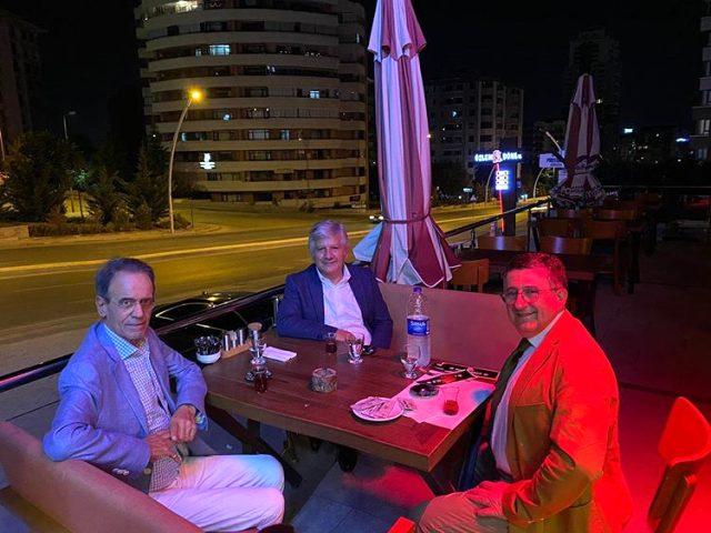 Her gün koronaya karşı konuşan Prof. Dr. Mehmet Ceyhan'ın fotoğrafı tepki çekti