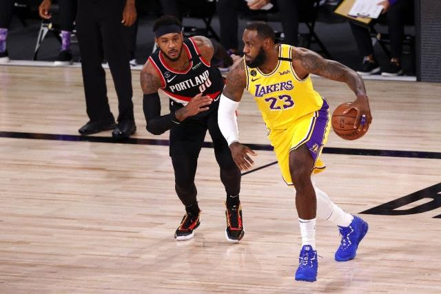 LeBron James'in triple double performansı Lakers'a yetmedi