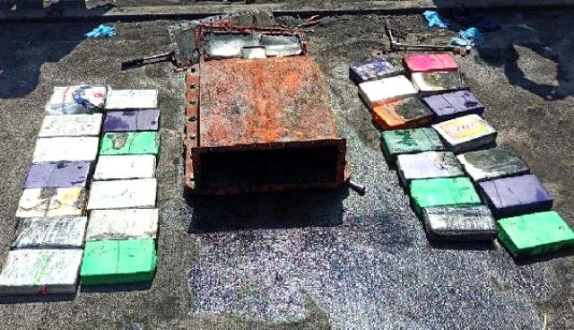 Kolombiya bandıralı gemide 60 milyon TL değerinde kokain ele geçirildi