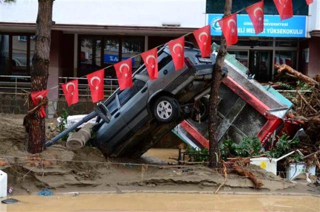 Son Dakika: Giresun'da sel felaketi: Bir asker şehit oldu, 3 vatandaşımız hayatını kaybetti