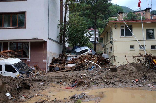 Son Dakika: Giresun'da sel felaketi: Bir asker şehit oldu, 2 vatandaşımız hayatını kaybetti