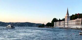 Tanju Çolak: Kovid-19 salgını nedeniyle düğünleri ertelenen sağlıkçılar dünyaevine girdi