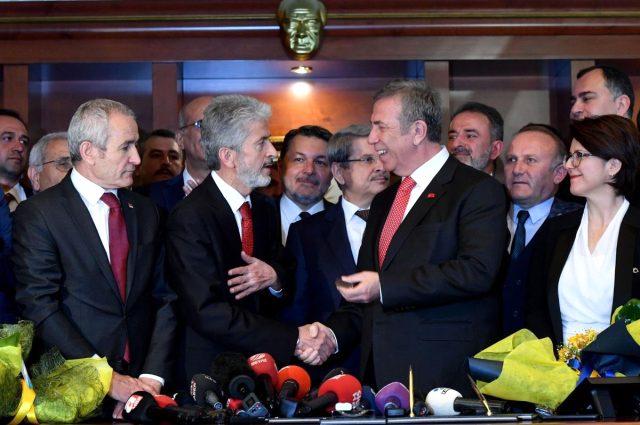 Mansur Yavaş, eski Ankara Büyükşehir Belediye Başkanı'nın adını bir alt geçide verdi