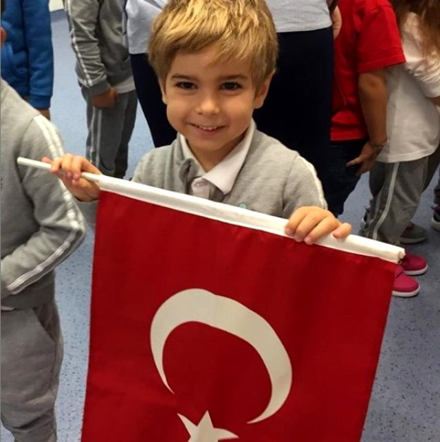 Ece Erken, koronavirüs salgını nedeniyle oğlu Eymen'i okula göndermeyecek