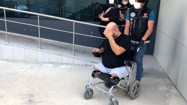 Bursa'da, tekerlekli sandalyeli uyuşturucu satıcısı yakalandı