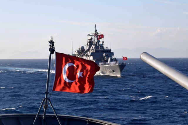 Türkiye, Doğu Akdeniz'de angajman seviyesini indirdi: Gemi komutanlarına 'vur' emri verildi