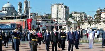 Cumhuriyet Anıtı: Taksim Meydanı'nda 30 Ağustos Zafer Bayramı töreni düzenlendi