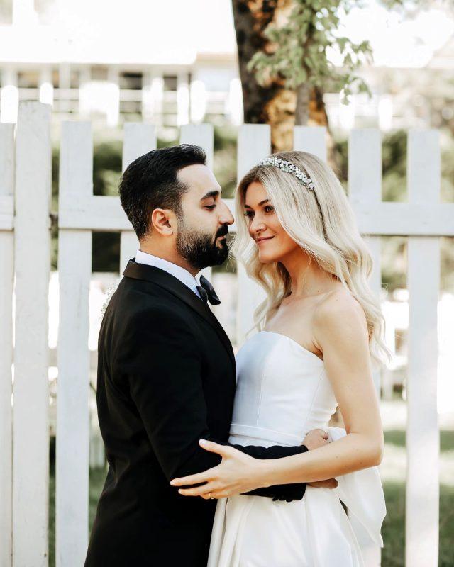 4 ay önce nikah kıyan Onur Buldu ve Duygu Koz düğün yaptı