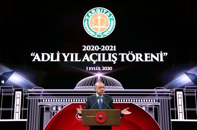 Son Dakika: Cumhurbaşkanı'ndan İstanbul Barosu'na Ebru Timtik posteri tepkisi