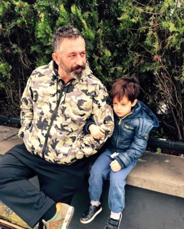 Çocukluk fotoğrafını paylaşan Cem Yılmaz, oğlu Kemal'a benzetildi