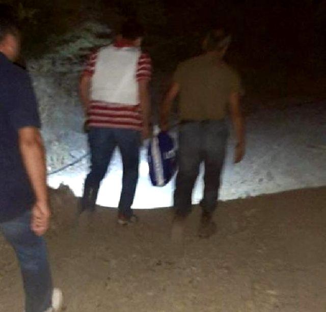 Uyuşturucu taciri firari hükümlü, ağaç kovuğunda yakalandı