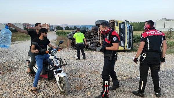Kazayı izleyen 2 vatandaş, yanlarına gelen polisin sorusuna cevap veremeyince 1800 TL ceza ödedi