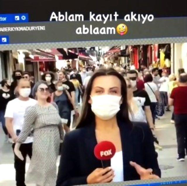 FOX muhabiri anons çekerken iki turist kadın arkasında dans etti