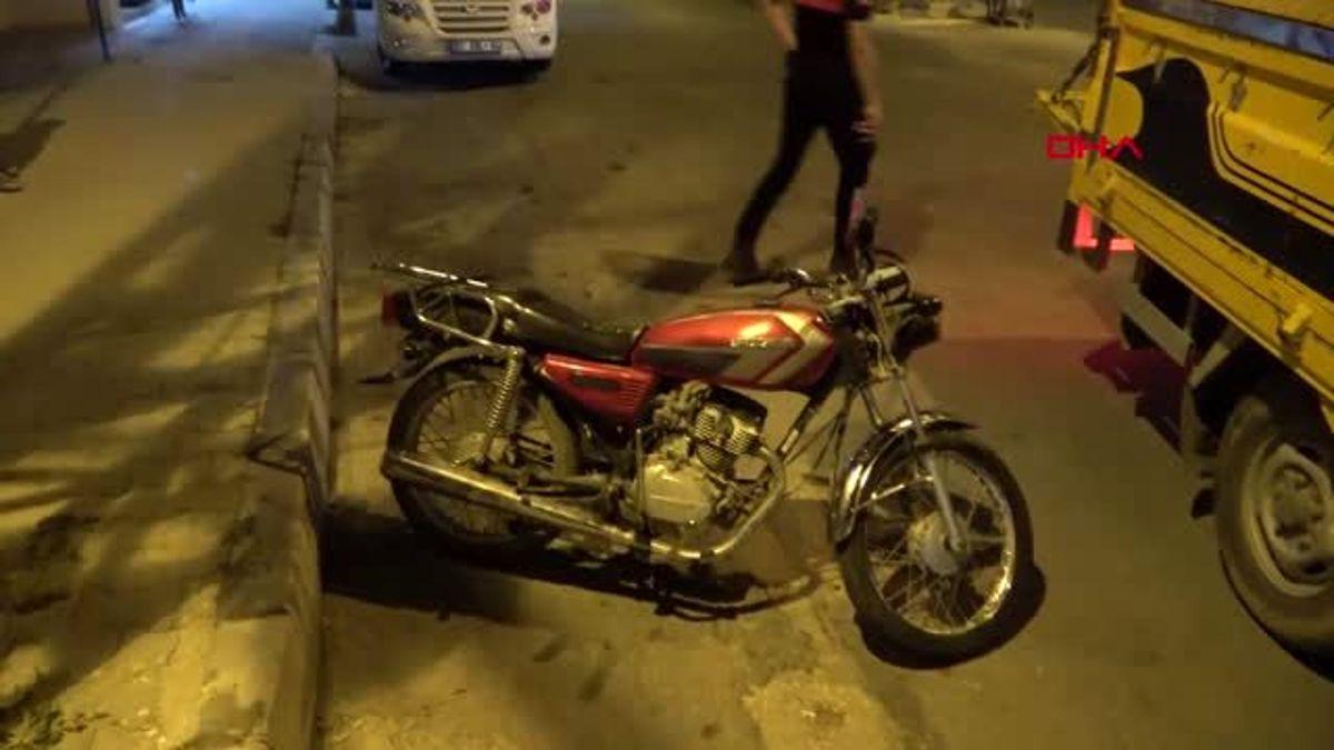 ADANA Ehliyetsiz motosiklet sürücüsü kovalamacayla yakalandı - Haberler