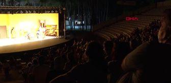 Mahzuni Şerif: ANTALYA 'Takıntılar', tiyatro severle buluştu