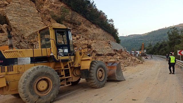 Bursa'da yol çalışması yapılan alanda göçük: 1 kişi öldü