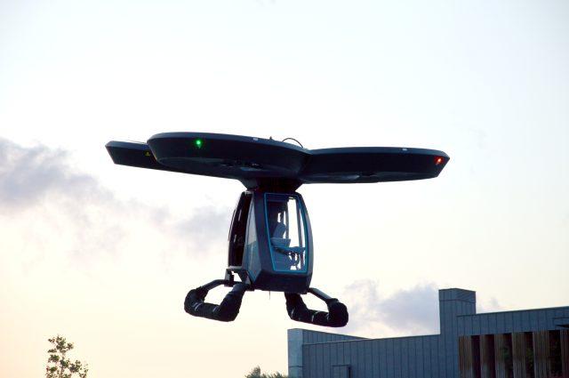 Türkiye'nin ilk uçan arabası CEZERİ havalandı