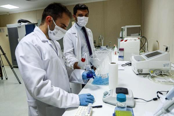 Hacettepe'de yerli aşı için gece gündüz deney yapılıyor