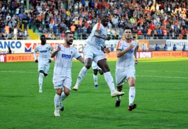 Alanyaspor-Kayserispo maçı kaç kaç? Alanyaspor-Kayserispor maçı golleri! Maçı hangi takım kazandı? Alanyaspor - Kayserispor maçı ilk 11'ler!