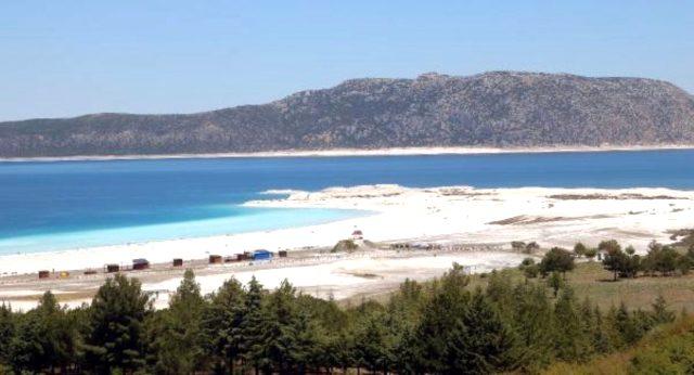 Salda Gölü nerede? Salda Gölü yol tarifi! Salda Gölü kaç km? Salda Gölü derinliği nedir? Salda Gölü yasaklandı mı?