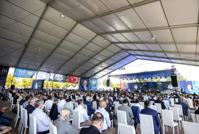 Son Dakika: İYİ Parti Genel Başkanı Meral Akşener, 1289 oyla yeniden genel başkan seçildi