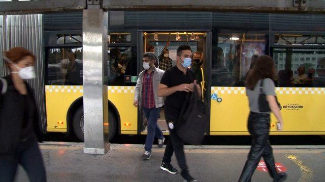 Kademeli mesai saati uygulamasının ilk gününde toplu ulaşımdan manzaralar